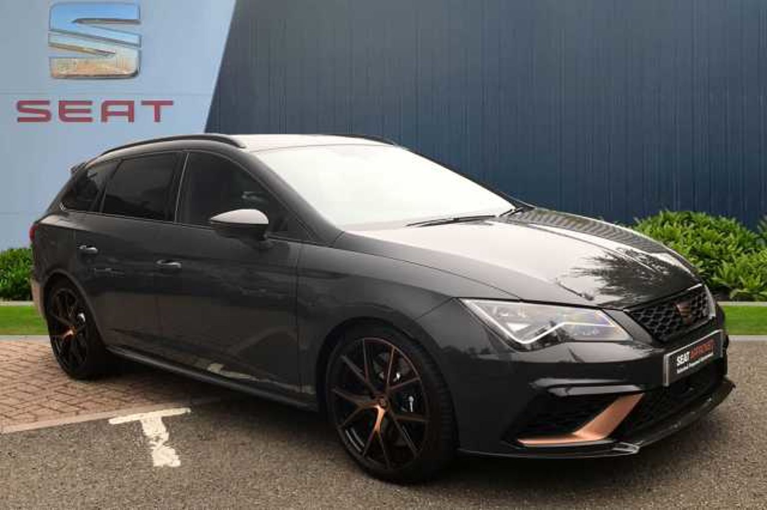 SEAT Leon Sport Tourer Special Editions 2.0 TSI Cupra R ST 300 5dr DSG 4Drive