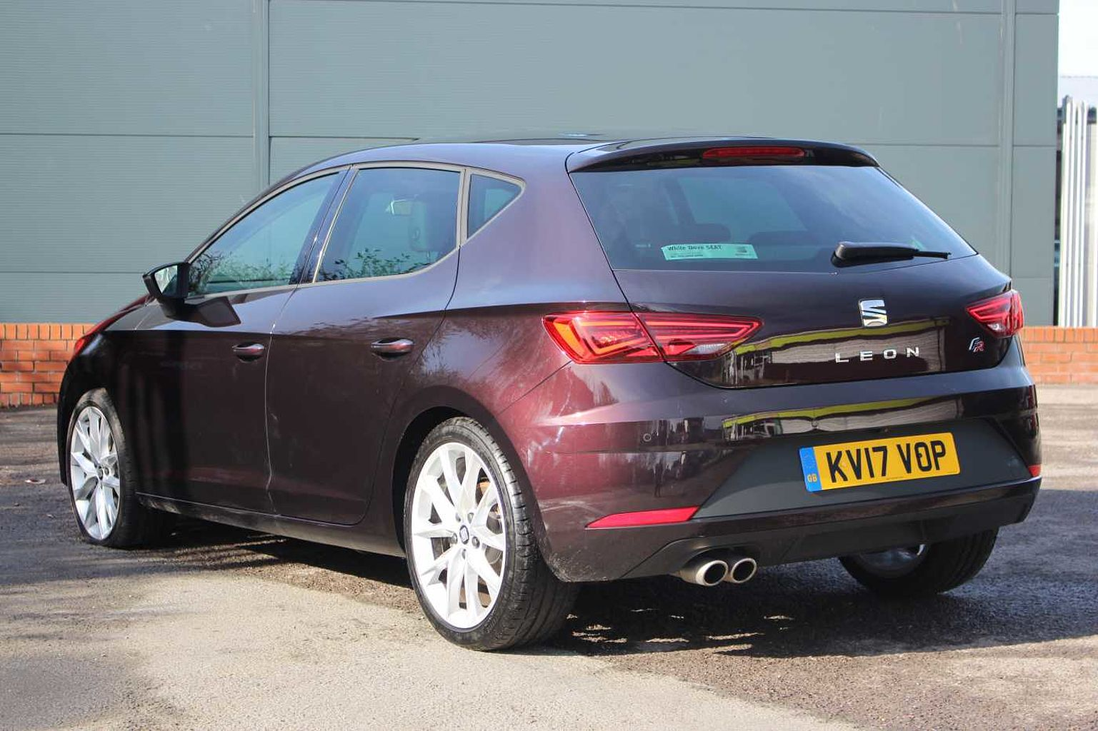 find a used purple seat leon 5dr 2016 2 0 tdi fr technology 184 ps dsg in cardiff seat uk. Black Bedroom Furniture Sets. Home Design Ideas