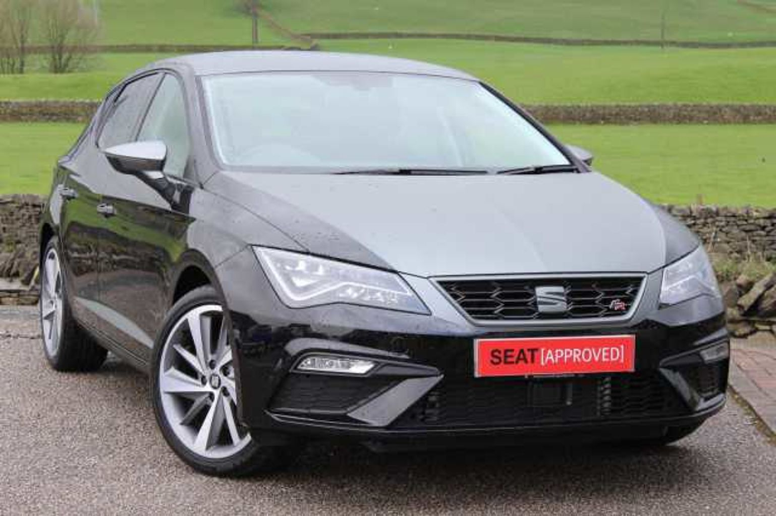 find a used black seat leon sc 2016 1 4 ecotsi fr titanium tech 150 ps in kendal seat uk. Black Bedroom Furniture Sets. Home Design Ideas
