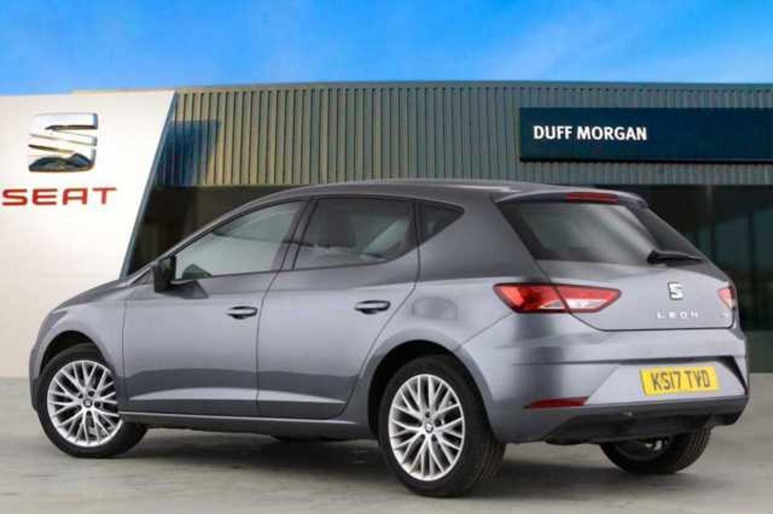 find a used grey seat leon 5dr 2016 1 2 tsi se dynamic tech 110 ps in norwich seat uk. Black Bedroom Furniture Sets. Home Design Ideas